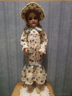 Antigua Muñeca de porcelana GEBRUDER KUHNLENZ antique doll