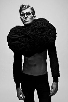 New fashion design men avant garde Ideas 3d Fashion, Dark Fashion, Couture Fashion, Editorial Fashion, High Fashion, Mens Fashion, Fashion Design, Editorial Hair, Beauty Editorial