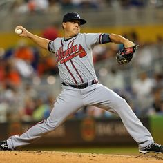 Kris Medlen #54 of the Atlanta Braves pitches against the Miami Marlins