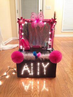 Vanity Valentines Day Box Sister Valentine, Valentine Boxes For School, Valentine Ideas, Valentines For Kids, Valentine Day Crafts, Happy Valentines Day, Diy For Kids, Crafts For Kids, Valentines Card Holder