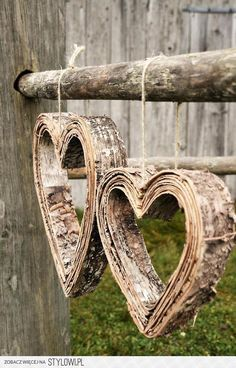 look like steamed and shaped layers of birch bark . Birch Bark Crafts, Wood Crafts, Diy And Crafts, Birch Bark Decor, Wood Bark, Heart In Nature, Heart Art, I Love Heart, My Heart