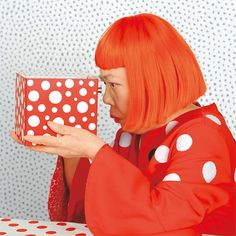 Yayoi Kusama (草 间 弥 生 or 草 间 弥 生? Born in Matsumoto, Nagano Prefecture in is a contemporary Japanese artist. Yayoi Kusama, Conceptual Art, Surreal Art, 3d Foto, Psychedelic Colors, Pop Art Movement, Photo Portrait, Shirt Designs, Feminist Art