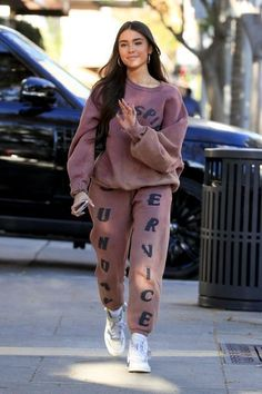 Madison Bier, Madison Beer Style, Madison Beer Outfits, Cute Casual Outfits, Stylish Outfits, Fashion Outfits, Sporty Fashion, Fashion Kids, Streetwear Mode