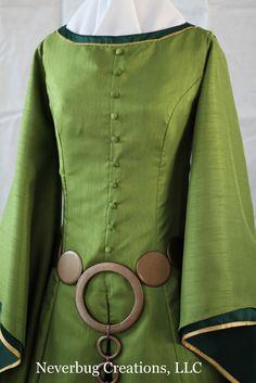 Adult Scottish Queen Custom Costume por NeverbugCreations en Etsy, $700,00