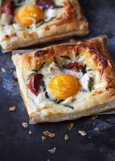 This chicken and egg breakfast tart. | 13 Egg Sandwich Recipes That'll Make People Think You're Fancy