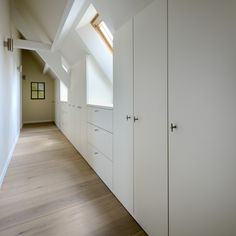 Fashionable attic - gorgeous image You are in the right place about bedroom storage baskets Here we offer you the most beautiful pictures about the mi Loft Room, Bedroom Loft, Bedroom Storage, Home Bedroom, Attic Renovation, Attic Remodel, Attic Closet, Attic Office, Attic Bedrooms