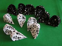 Amoreira Acessórios Artesanais: Passo-a-passo da flor de tecido em origami.