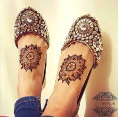 More than mehndi.love the jootis. Mehndi Designs Feet, Legs Mehndi Design, Henna Art Designs, Stylish Mehndi Designs, Mehndi Design Pictures, Beautiful Henna Designs, Bridal Mehndi Designs, Bridal Henna, Mehndi Images