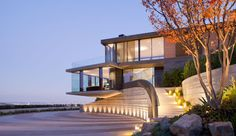 Balance Hill - situated high above the LA basin  by KAA design