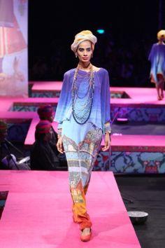 Tarun Tahiliani. WLFW S/S 15'. Indian Couture.