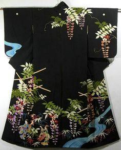 Vibrant Wisteria & Dancing Lady Design Vintage Kimono