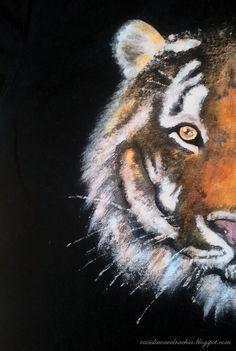 TIGER DIY: Hand painted t-shirt