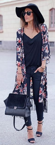 summer outfits Black Hat + Black Top + Navy Floral Kimono