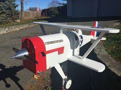 My new airplane mailbox Vintage Mailbox, Diy Mailbox, Mailbox Ideas, Mailbox Post, Rustic Mailboxes, Unique Mailboxes, Painted Mailboxes, Mailbox Designs, Yurt Living