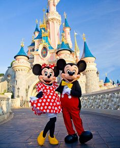Minnie & Mickey Mouse at Sleeping Beauty Castle in Disneyland Paris