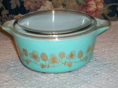 Vintage+rare+pyrex+turquoise+clover+berry+475+casserole+@+Heavenly+HomesHeavenly+Homes