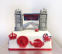 Torte aziendali - Torta Londra London theme corporate cake Uk Parties, London Cake, Food Hacks, Polymer Clay, Birthdays, Birthday Cake, Pastel, Christmas Ornaments, Holiday Decor