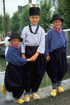 Children in Dutch Costume Noord Holland We Are The World, People Around The World, Folklore, Beautiful Children, Beautiful People, Dutch People, Thinking Day, Folk Costume, World Cultures