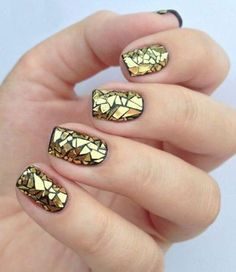 26 Awesome Mirror and Metallic Nail Art Ideas-Best nail art ideas containing mirror and metallic nail designs, including geometric shapes, mirror tips, holographic shine and striking neon nails among others Cute Nails, Pretty Nails, My Nails, Neon Nails, Pink Nail, Red Nail, Beautiful Nail Art, Gorgeous Nails, Gold Nail Designs