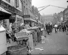 Dublin in the Moore St in Dublin, circa (Part of the Independent Newspapers Ireland/NLI Collection). (Photo by Independent News and Media/Getty Images) Ireland Pictures, Old Pictures, Old Photos, Dublin Street, Dublin City, Irish Culture, Photo Engraving, Irish American, Irish Traditions