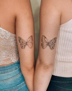 Cute Matching Tattoos For Your Lover Or Besties * 2020 - Elegant Life Small Matching Tattoos, Matching Best Friend Tattoos, Small Best Friend Tattoos, Butterfly Tattoo Designs, Small Tattoo Designs, Sister Tattoo Designs, Family Tattoo Designs, Mini Tattoos, Small Tattoos