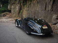 1939. Alfa Romeo 8C 2900b spider lungo by Touring.