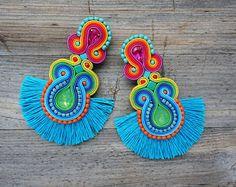 Waikiki Summer and colorful soutache earrings orecchini Beaded Tassel Earrings, Soutache Earrings, Crochet Earrings, Fabric Jewelry, Boho Jewelry, Jewelery, How To Make Earrings, Stone Earrings, Jewelry Patterns