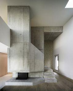 concrete fireplace / Villa Ensemble near Zurich