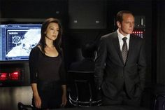 Marvel's Agents of S.D: guerra entre Ward e Coulson esquenta Agents Of Shield May, Agents Of S.h.i.e.l.d, Marvels Agents Of Shield, Man Movies, Comic Movies, Chicago Fire, Melinda May, Ming Na Wen, Phil Coulson