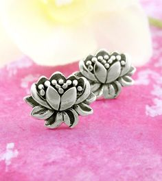 Natural Lotus Flower Earrings in Sterling Silver Fabric Flower Necklace, Flower Earrings, Flower Jewelry, Flower Stamen, Lotus Flower, Simple Flowers, Real Flowers, Little Lizard, Khalid