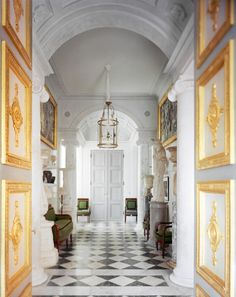 The last project private of Jacques Garcia .Le decorator Jacques Garcia has completed the renovation of an historic apartment wh. French Interior, Classic Interior, Home Interior Design, Interior Decorating, English Interior, American Interior, Modern Interior, French Architecture, Architecture Details