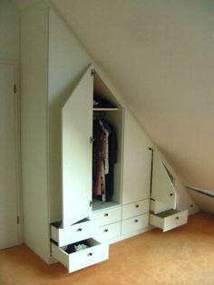 Wardrobe for attic: classic bedroom by Schrankplaner GmbH - Addison Home Attic Renovation, Attic Remodel, Basement Renovations, Attic Spaces, Attic Rooms, Attic Bathroom, Escape Space, Attic Design, Tiny Apartments