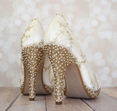 Get noticed with multi-color rhinestones on the heel and toe of your custom wedding shoes! (www.elliewren.com) #customweddingshoes #rhinestoneshoes