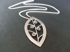 Leaf pendant Leaf Pendant, Pendant Necklace, Silver, Jewelry, Jewellery Making, Money, Jewelery, Jewlery, Jewels