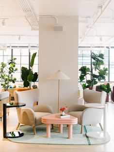 The Wing's women-focused co-working club in Chicago takes cues from Frank Lloyd Wright Lounge Seating, Lounge Areas, Office Seating, Saint Ouen, Workspace Design, Co Working, Swedish Design, Cozy Corner, Frank Lloyd Wright