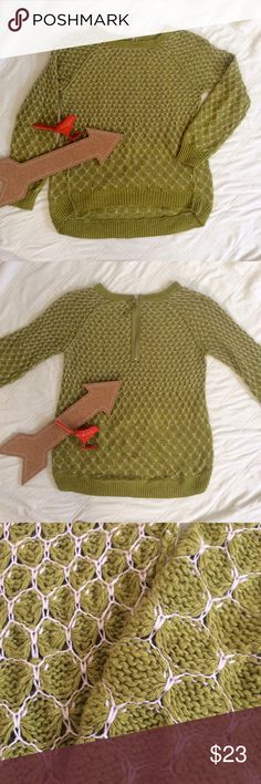 🆕ANTHROPOLOGIE MOTH GREEN HI LO HONEYCOMB SWEATER Beautiful chartreuse greet and white honeycomb print pullover sweater. Features a hi lo cut and a zipper in the back. Perfect spring green to pair with some jeans Anthropologie Sweaters