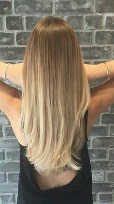 Here's Every Last Bit of Balayage Blonde Hair Color Inspiration You Need. balaya… Here's Every Last Bit of Balayage Blonde Hair Color Inspiration You Need. balayage is a freehand painting technique, usually focusing on the top layer of hair, resulting in Beige Blonde Hair Color, Ombre Hair Color, Hair Color Balayage, Hair Highlights, Balayage Hairstyle, Balayage Straight Hair, Brown To Blonde Balayage, Ash Blonde, Blonde Ombre