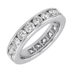 this would go perfectly with my engagement ring! im asking for a new band next anniversary!