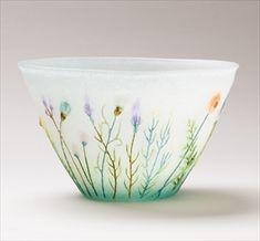 Chinese Tea, Glass Design, Craft Work, Botanical Illustration, Japanese Art, Glass Bottles, Glass Art, Arts And Crafts, Pottery