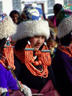 yushu asian singles The rooftop of the world: tibetan plateau to of han chinese in almost every single to the rooftop of the world: tibetan plateau to yushu.
