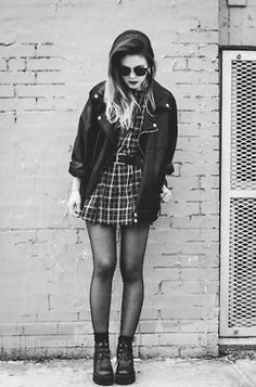 Fashion Flashback: How To Rock 90s Grunge photo Brittany Lee's photos