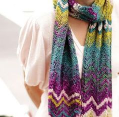 Free Chevron knitted scarf pattern