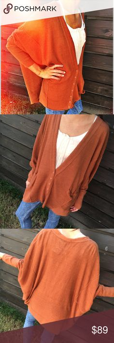 Free People Oversized Rust Cardigan New with tags.. perfect for Fall🍁🍂oversized with drop shoulders..side small pockets..snap closure.. pretty rust color 🍁 no trades Free People Sweaters Cardigans