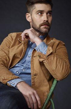 Models_card_right_tan_jacket_-sitting