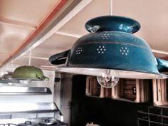 Heel gaaf! Lampen gemaakt van een vergiet. Lamps made of a colander. Very Nice!