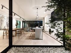 Challenged by the intricacies and opportunities of a small site in Melbourne, Australia, Inglis Architects came up with a clever narrow house design for project Patio Interior, Home Interior Design, Interior Architecture, Interior And Exterior, Interior Decorating, Decorating Ideas, Decor Ideas, Modern Track Lighting, Hall Lighting