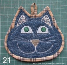 Set of two cat potholders by SewWhatCreationsLiz on Etsy Set of two . Set of two cat potholders by SewWhatCreationsLiz on Etsy Crochet Potholder Patterns, Mug Rug Patterns, Quilted Potholders, Sewing Patterns Free, Quilt Patterns, Cloth Patterns, Hot Pads, Quilting Projects, Sewing Projects
