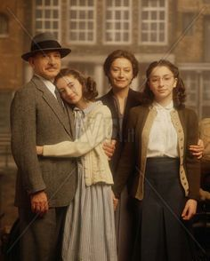 The cast for the diary of Anne Frank (Left to right) Otto (Ben Kingsley), Anne (Hannah Gordon Taylor), Edith (Tatjar Blacher), and Margot (Jessica Manley)
