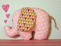 Heute im Blog: Ein Elefant, -fant. -fant  http://nadelfein.blogspot.de/2015/07/der-elefant-fant-fant.html