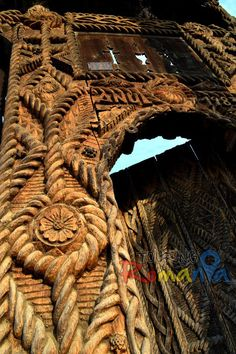 Maramures Wooden Gate Ancient Architecture, Architecture Details, Contemporary Decorative Art, Wooden Gates, Naive Art, Zen, Back In Time, Gaudi, Romania